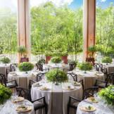 森の邸宅「ザ・アルバテラス」自然の緑の中でナチュラルウェディングを