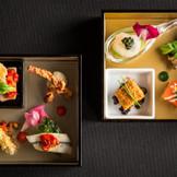伝統的なフレンチの技巧と、関西の旬な食材がブレンドされた新しい和風フレンチ。