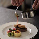 温度にまでしっかりとこだわったお料理でゲストの記憶に残るおいしさを