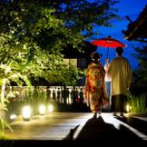 樫野倶楽部で人気の演出「別邸入場」はゲストの注目度も抜群。『徳島』で『和婚』『和の結婚式』をご希望なら『樫野倶楽部』へ。