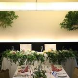 ≪装花≫メインテーブルコーディネート