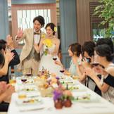 カジュアルなパーティを叶えたいふたりには、レストランウエディングがおすすめ。二次会にも対応可能。