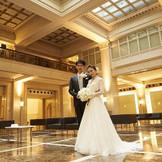 明治生命館ロビーはフォトスポットとして。美しさが際立つ写真に。