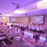 大切なゲストだけを招待するパーティにぴったりな空間。自宅にゲストを招くような温かなパーティを叶えて