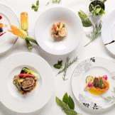 レストランならではのこだわりのお料理&オープンキッチンでおもてなし!