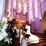 新しくなった大聖堂挙式。荘厳な雰囲気は残しつつ、聞き覚えのある曲で温かみも増しました。