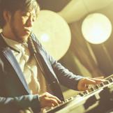 クロスホテル札幌のサウンドブランディングを手掛けるDJ Fuminori Kagajo。 パーティをはじめウエディングシーンを音楽で演出。