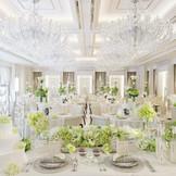 純白の披露宴会場「カサ・デ・アンジェラ」真っ白な空間はお二人色に染めることができるオーダーメイドバンケット