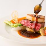素材の味を生かしたこだわりの料理で、おもてなしの心をゲストに伝えよう。