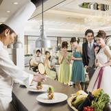 リニューアルした「リバティー」にはオープンキッチンも併設!