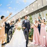 [3Fチャペル アクアサンタ]チャペルを出ると広がるスカイガーデン。フラワーシャワーやバルーンリリース、ゲストと写真撮影にも人気の場所。