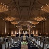 出会いや喜びの発信地【ヴェルサイユの間】  THE ホテルウェディング☆晩餐スタイルはホテルならでは!!