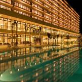 夜のライトアップされたホテルは日本とは思えないほど幻想的でうっとり。