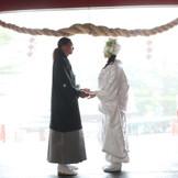 大自然に囲まれた二人だけの結婚式が可能