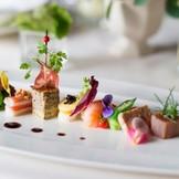 シェフこだわりのお料理の数々はゲストを魅了する一品に・・・