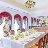 家族とゆったり過ごす「会食ウェディング」にぴったりの個室も完備【6~14名様】