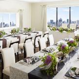 本格挙式の後は、少人数様でのご会食でアットホームにお食事会も可能