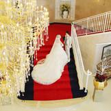 ゴージャスなシャンデリアは優雅な空間を演出