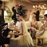 【ロイヤルスイート】 夕方からの挙式、 夜景を眺めながらの披露宴、 そしてご宿泊まで。