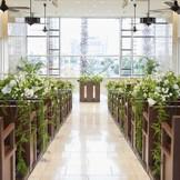 花嫁が美しく見えるように設計された徳島県で唯一の劇場型チャペル