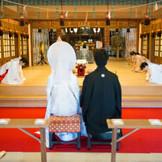 龍城神社の挙式風景 白無垢 伝統的な神前式