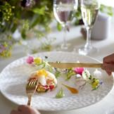 味だけでなく目でも楽しませてくれる美食の数々