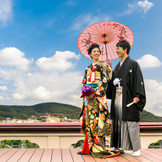 最上階テラスから見渡す「これぞ京都」な鴨川・東山一望の絶景はゲストを魅了。