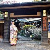 立派な門構えも魅力。浅草駅からのアクセスも良く、東京観光も兼ねてご招待をするお客様も多い。