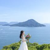 広島市内にいながら絶景のリゾートウエディングが体感できるロケーションが魅力。