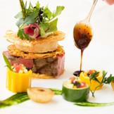 料理で作る芸術 お皿の上で祝福を表現します