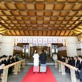 昭和11年管幣中社に列せられた際に御造営された壮麗な御社殿は昭和34年に復興されたものです。