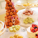 女性が多いパーティーならデザートブッフェがオススメです♪彩り豊かな各種デザートが披露宴に更なる華やかさを添えます♪