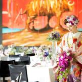 近隣の赤坂氷川神社で結婚式を。 神前式のあとは和装で披露宴スタート!お色直しでウェディングドレスもOK