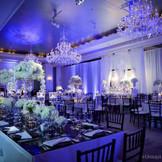 披露宴会場はホテル創設者の邸宅のイメージでデザインされている。※イメージ/セントレジスNYより