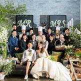 「一生モノを、ご一緒に」私たちは、おふたりと想いを共にし、一生モノのご結婚式を、一緒につくりあげるチームとなるべく、1日1組に限定させていただくとことを決めました。