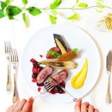付け合わせの食材や質にもこだわり抜いております。ホテルニューオータニ博多のブライダルフェアでは、婚礼メニューのご試食をお楽しみ頂けます。ぜひお気軽にお問合せ・ご来館ください。