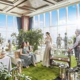 パーティ会場内にインナーガーデンを作って、緑に溢れる居心地の良い空間を演出しよう