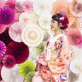 【オトナ花嫁だからこそ、気配りの行き届いた結婚式】会場内にフォトブースを設置してゲストと記念撮影も素敵