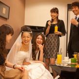 専用のブライズルームは一日貸切りが可能。親しいご友人やご親族とのプライベートな時間をお楽しみください。
