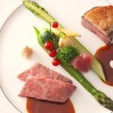洗練されたオークラならではのサービス&料理は口コミでも評判! 総料理長と直接打ち合わせて創り上げるオーダーメイド料理が人気です。