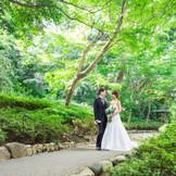 緑あふれる庭園や上質な空間で、ふたりの幸せの瞬間を永遠に