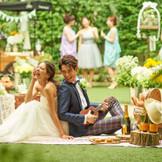 ガーデンがあればカジュアルな雰囲気の作りこみか出来る♪ピクニック気分の結婚式もオリジナリティがあって素敵♪