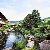約1000坪の庭園が広がる貸切空間