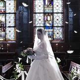 アンティークのステンドグラスに囲まれた大聖堂『St.リュカルネチャーチ』