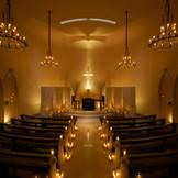 天井10mと大理石でできた15mのバージンローだが迫力ある独立型教会。