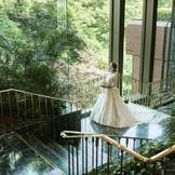 ホテル椿山荘東京の館内は庭園はフォトジェニックなスポットが多数!ゆったりと撮影ができる前撮りが人気。