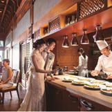 志摩観光ホテル出身のシェフ 全ての新郎新婦と打ち合わせをし、白紙からお二人だけの献立を作り上げます。