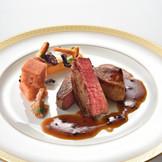 黒毛和牛フィレ肉とフランス産鴨のフォアグラの絶品コラボ料理。