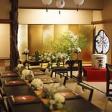【浅草 茶寮一松】本物の「和」のおもてなしを本業とする由緒ある料亭。おもてなしの心が行き届いた古きよき日本の風情が広がる空間で素晴らしい結婚式を。