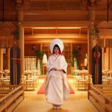 神前式場「八尋殿」 前撮り撮影の際には当日は着ないお衣装を着ることも可能!和装のお写真を残してみてはいかがでしょうか?